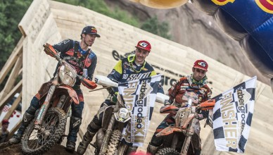 Winners pose at the finish of  Red Bull Hare Scramble 2016 in Eisenerz, Austria on May 29, 2016